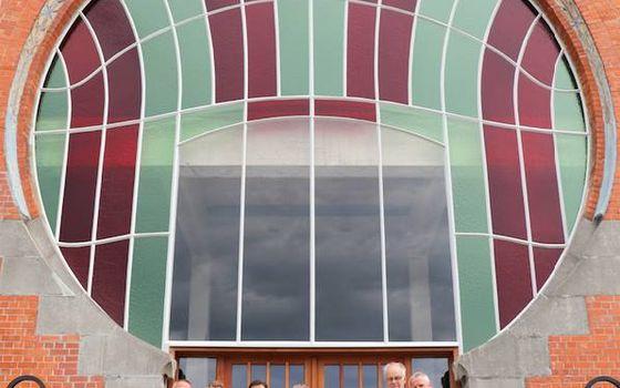 Iconische art deco raam van de Chocoladefabriek in ere hersteld