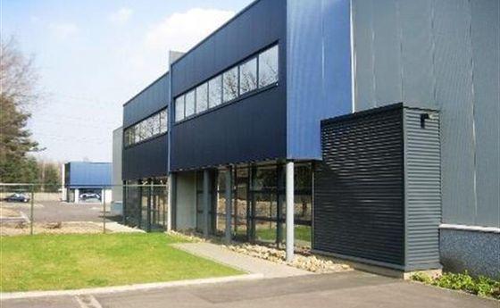 Industrieel gebouw te huur in Genk