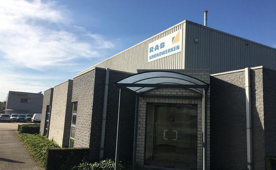 Industrieel gebouw te koop in Beringen