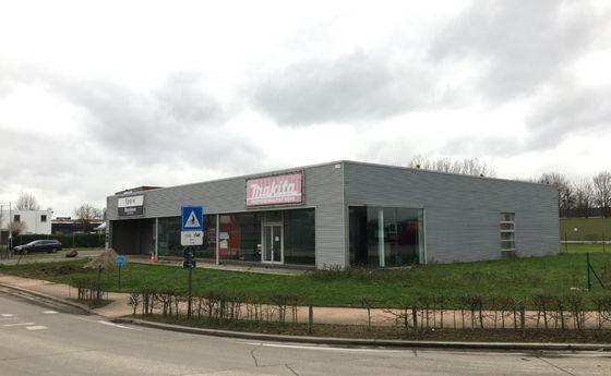 Industrieel gebouw te koop in Maasmechelen