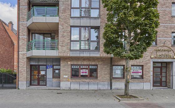 Kantoorgebouw te koop in Genk